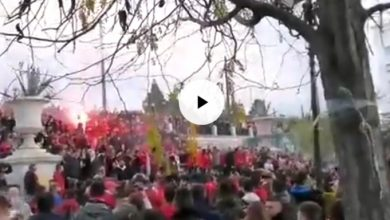 Photo of Βίντεο από το κατακόκκινο Σύνταγμα (Video)